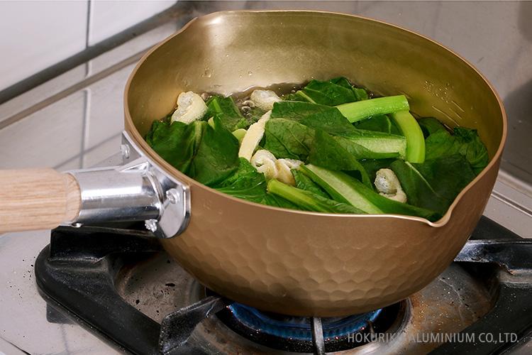 アルミ雪平なべ18cm_青菜と油揚げ